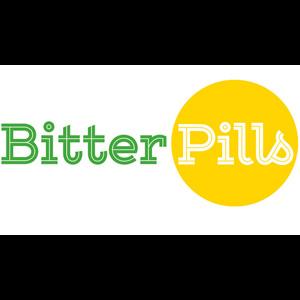Bitter Pills logga där Bitter är giftigt grönt och Pills ses mot ett gult runt piller.