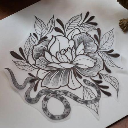 Motiv för tatuering; Slingrig orm med hjärtan och pion med virvlande blad.