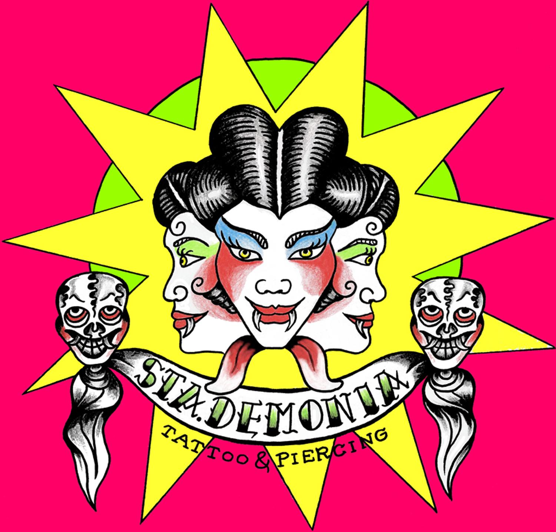 StaDemonia Tattoo Stockholms logotyp. En trehövdad demon med huggtänder, långa ögonfransar och uppsatt hår. Knallrosa bakgrund.